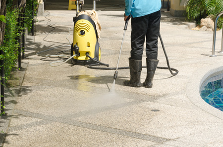 outdoor commercial cleaning